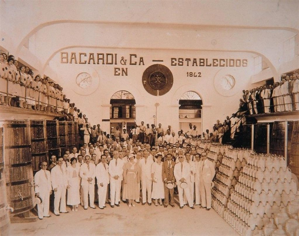 media/galleries/big/11bed-990_1481146635Cuba_Bacard.jpg