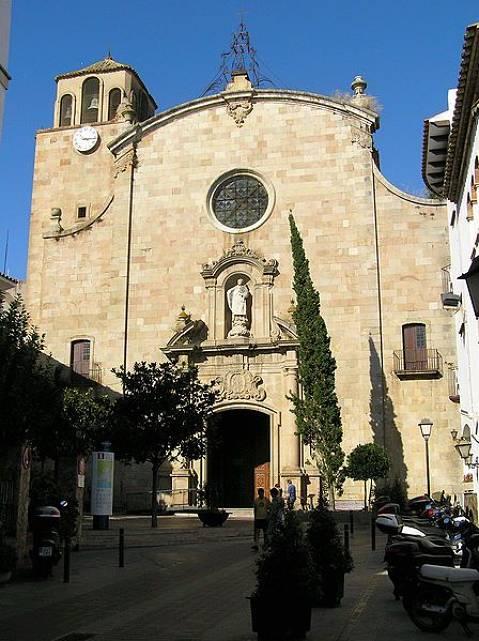 media/items/medium/539f5-Esglesia-parroquial-de-sant-vicenc.JPG