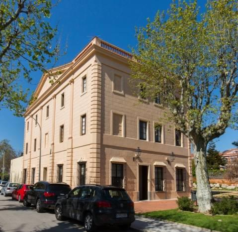 media/items/medium/82340-Vilassar_de_Mar-Escola-Nautica.jpg