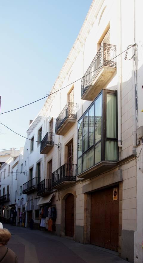 media/items/medium/a3327-Casa-Esteve-Llach.JPG
